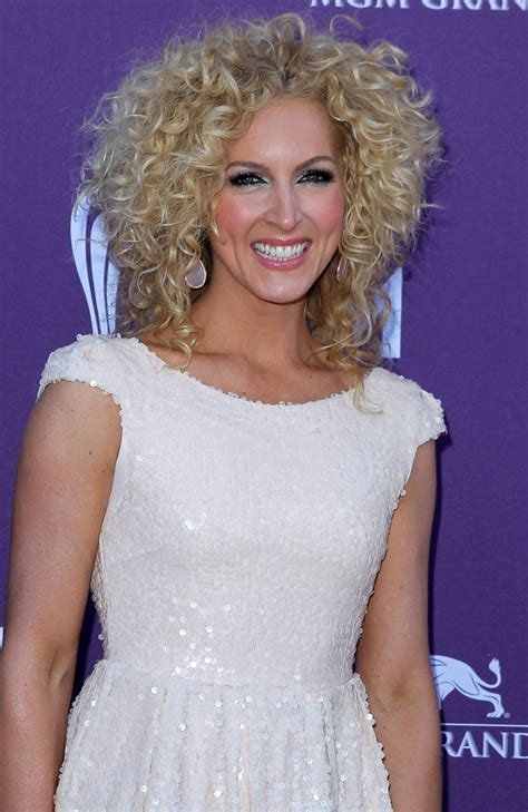 kimberly schlapman kimberly schlapman picture 5 2012 acm awards arrivals