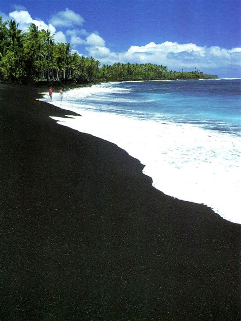 where is the black sand beach hawaiian beach sand