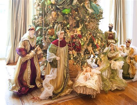 Decorating Ideas For Nativity Gold With Sparkles A Magical Theme