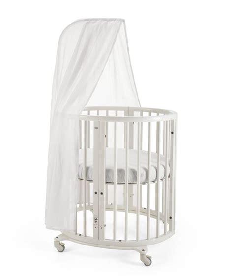 Stokke 174 Sleepi Mini Crib In White With Canopy Rod The Mini Crib With Wheels