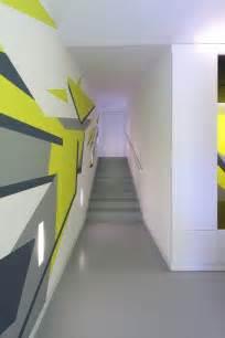 treppen haus treppenhaus renovieren 63 ideen zum neuen streichen