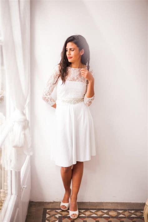 short wedding dress  sleeves lace wedding reception