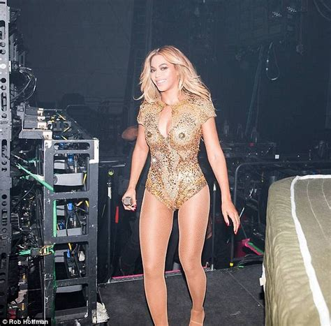Mam Niple Uk X beyonce shares all the intimate backstage moments as