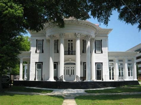 southern architectural styles this is a classic southern greek revival architectural