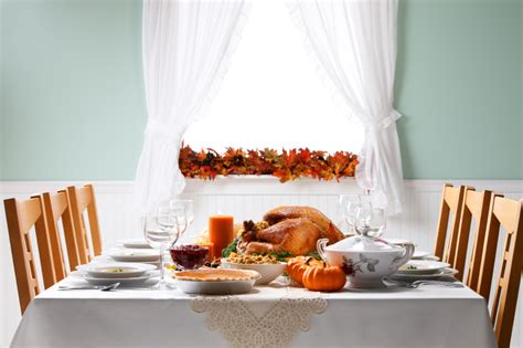 hosting a small dinner how to host thanksgiving in a small space apartment