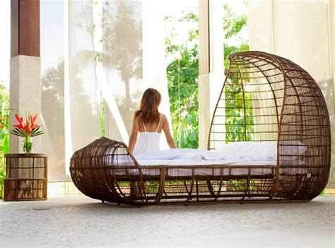 voyage bed  kenneth cobonpue alldaychic