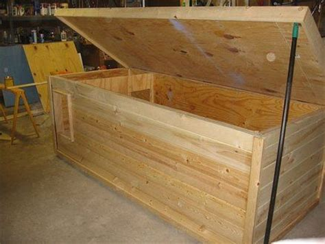 insulated dog house diy 17 best ideas about insulated dog houses on pinterest insulated dog kennels build