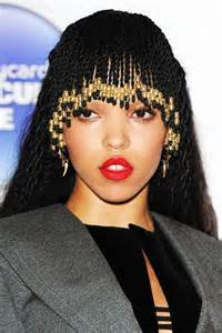 whats new in braided hair styles fka twigs just braided her bangs and it looks rad