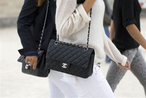 Tas Pundak Model Retro Retro Small Square Shoulder Bag Bta021 how to spot a chanel see it in pictures here