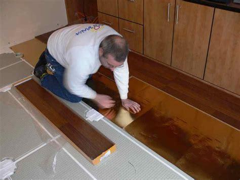 riscaldamento a pavimento a basso spessore foto pannelli radianti a pavimento a basso spessore di