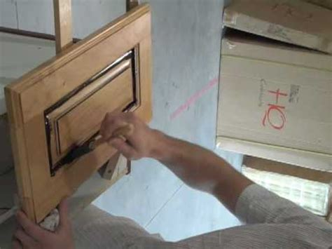 How To Glaze Kitchen Cabinets On The Job Bob How To How To Glaze Kitchen Cabinets