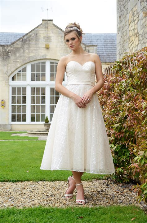 bridal hairstyles to suit dress bridal styles to suit your shape find your dream dress