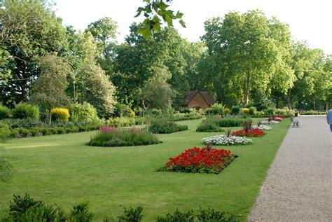 filemackenzie garden finsbury parkjpg wikimedia commons