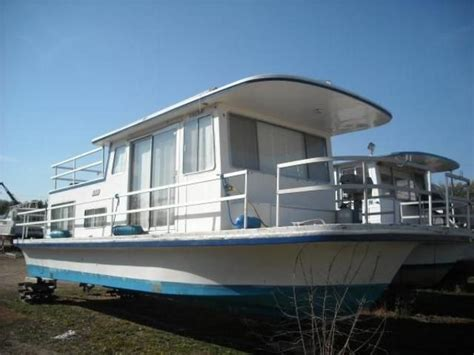 cheap house boats best 25 cheap boats for sale ideas on pinterest party