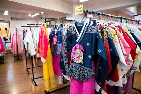 Dress Seoul hanbok experience wearing traditional korean dress in