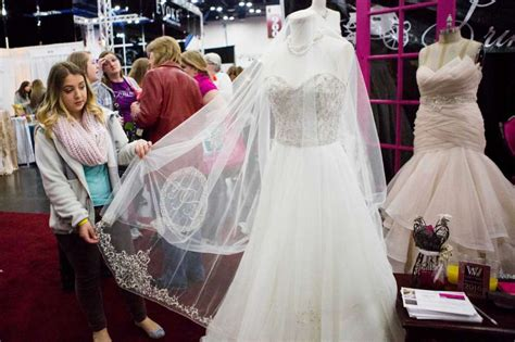 San Antonio Background Check 10 Wedding Trends From Bridal Extravaganza Show Houston Chronicle