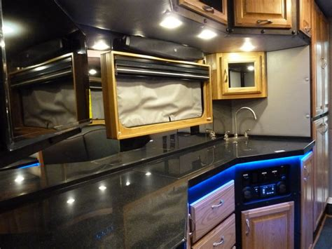 do 18 wheelers have bathrooms what do luxury sleeper cabs for long haul truck drivers