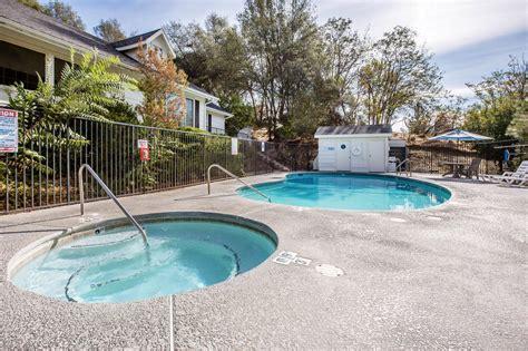 Comfort Inn Yosemite Valley Gateway by Comfort Inn Yosemite Valley Gateway 2017 Room Prices