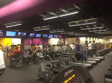 planet fitness lake forest park 19 photos gyms