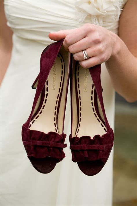 Burgundy Wedding Shoes by 27 Techniques To Add Burgundy To Your Fall Wedding Decor