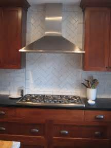 Kitchen Tile Backsplash Patterns by 25 Best Ideas About Subway Tile Backsplash On Pinterest