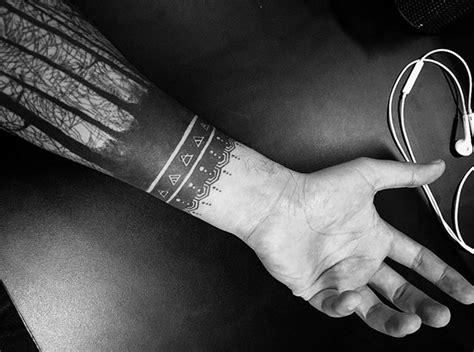 blackout tattoo tribal amp arschgeweih ohne laser loswerden