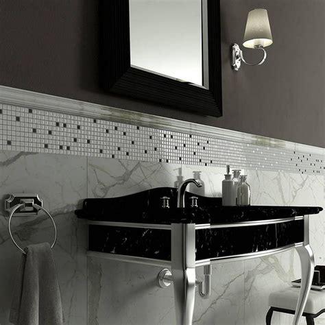 bagno mosaico bianco oltre 25 fantastiche idee su bagni in bianco e nero su