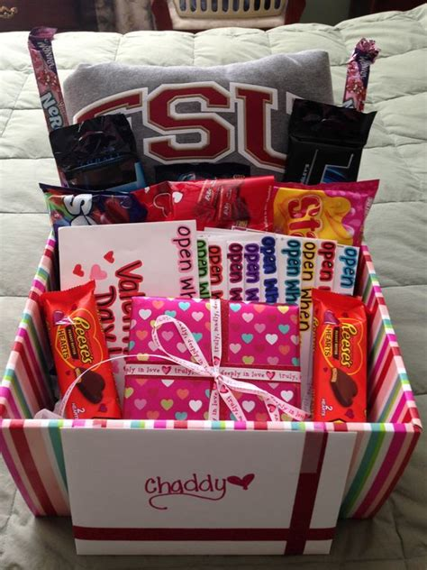 valentine s day gift ideas for her pinterest 15 custom gift basket ideas for valentine s day