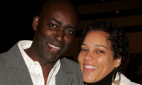 michael jace actor on the shield charged in shooting the shield actor michael jace arrested in wife s shooting