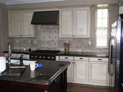 BDG Style: PAINTING KITCHEN CABINETS