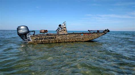 reduced alumacraft  bay tunnel center console jon boat
