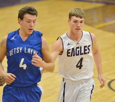 chs defeats betsy layne to advance in classic