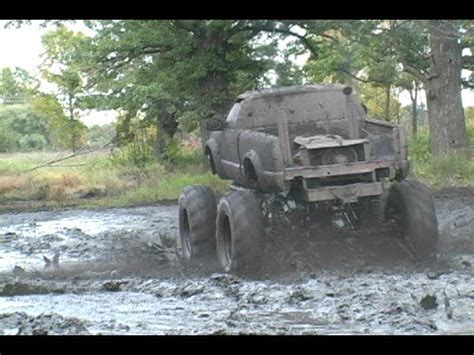 monster truck mud bogging videos hellraiser monster truck mud bogging youtube