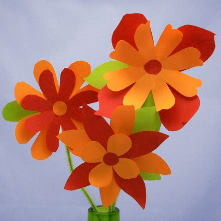 How To Make Flowers From Construction Paper -
