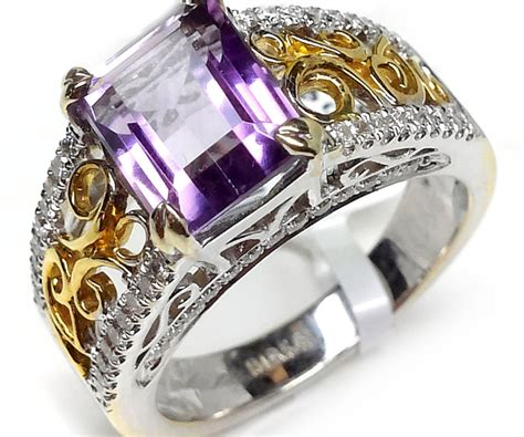 18kt white and yellow gold 3 26ct and amethyst