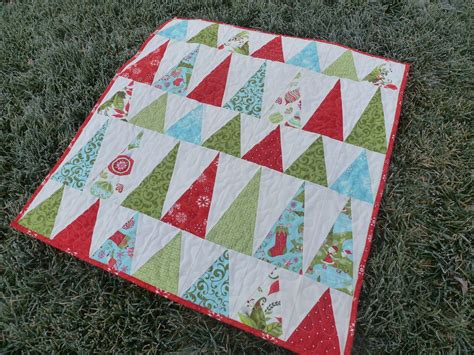 pattern for christmas tree quilt christmas quilts on pinterest christmas quilt patterns