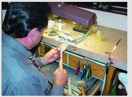 bench jeweler school jewelers available for hire al ar az ca ct fl ga