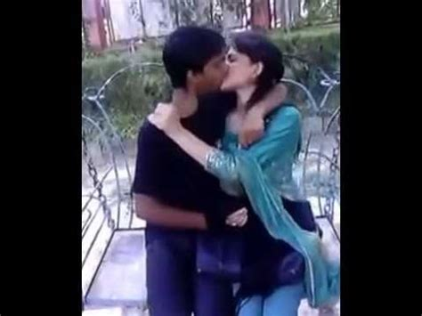 kissing tutorial video free download full download sexy boy and girl kissing
