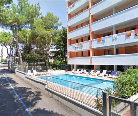 appartamenti con piscina a bibione condominio capitol bibione appartamenti piscina bibione