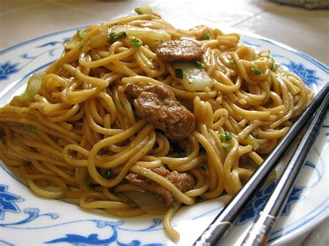 lo mein vs chow mein vs chow fun images