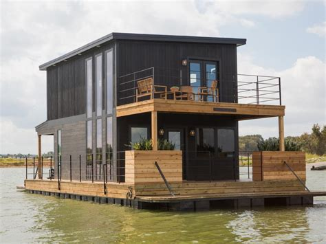 Fixer Upper House Boat | fixer upper it floats hgtv s fixer upper with chip and