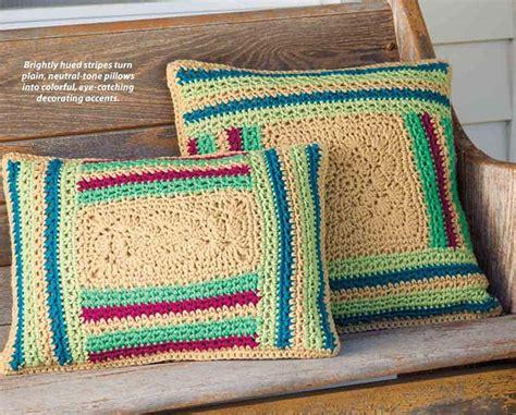 Log Cabin Pillow Pattern by Crochet Log Cabin Pillows Crochet Kingdom