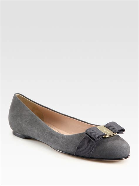 Grey Flat Shoes Big Ribbon Kerut ferragamo suede and grosgrain ribbon bow ballet flats in gray charcoal lyst