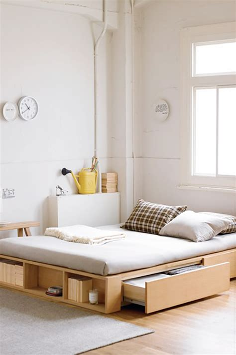 12 Small Space Bedroom Ideas The Decorating Dozen Bedroom Designs Small Spaces