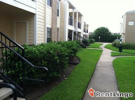 Hollyview Apartments In Houston Tx View Houston See Reviews Pics Avail
