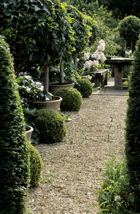 things we love graveled courtyards design chic design chic