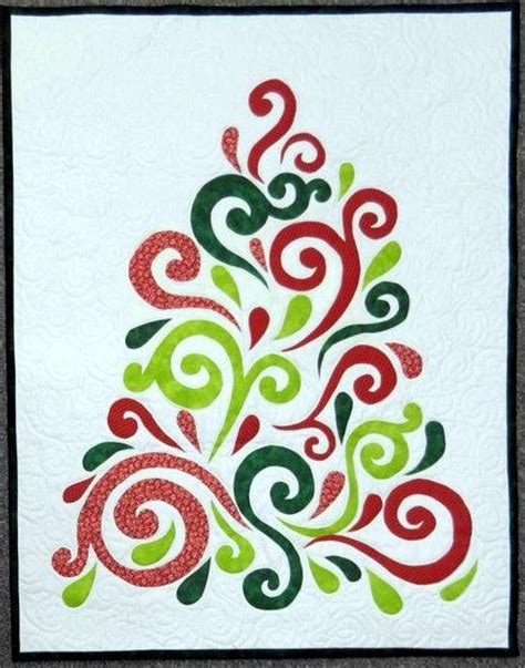 swirled christmas tree quilt pattern 1000 images about christmas quilts on pinterest