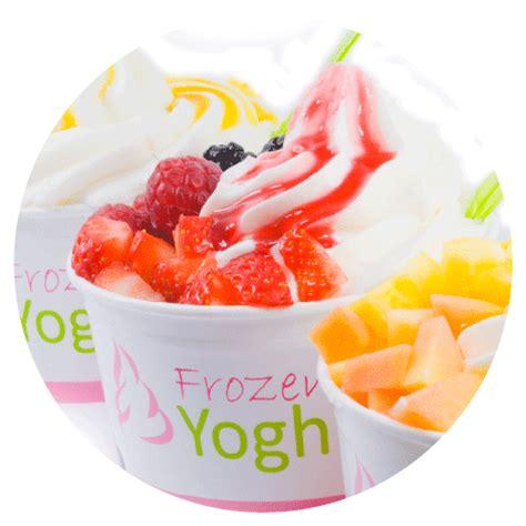 De Famouz Frozen Rogurt Risol frozen yoghurt