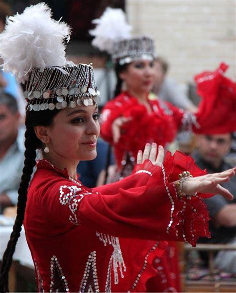 uzbek traditional music and dance in bukhara 3 uzbekistan dance dance and music pinterest dancing