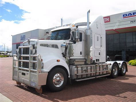 kenworth usa used kenworth t909 tractor units year 2013 price